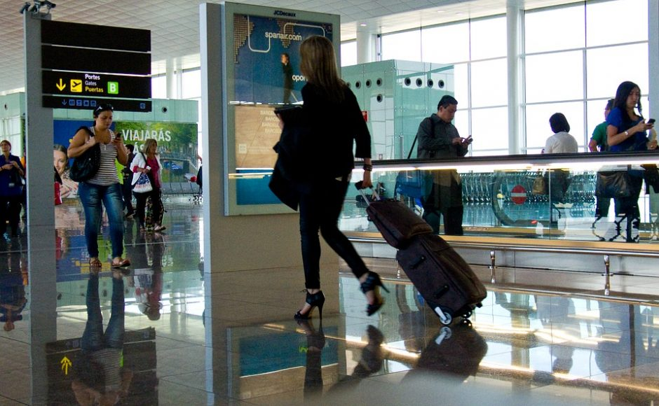 Light as a Feather: 3 Ways to Reduce Those Dreaded Luggage Fees